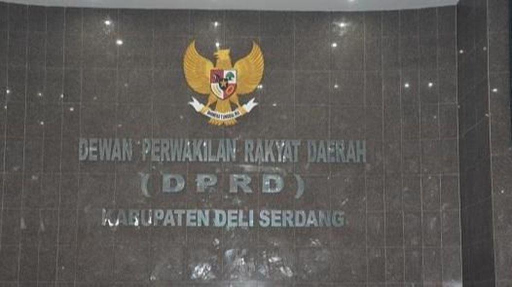 Diduga Rusak Ruang Kabag Hukum, Anggota DPRD Deli Serdang Dipolisikan