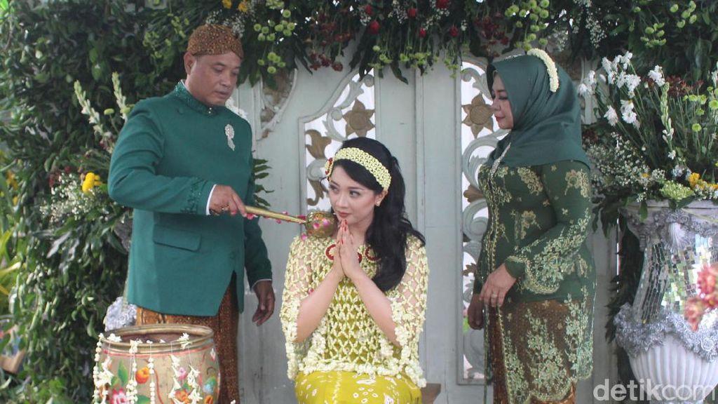 Warga Sidoarjo Ini Melangsungkan Pernikahan di Tengah Wabah Corona