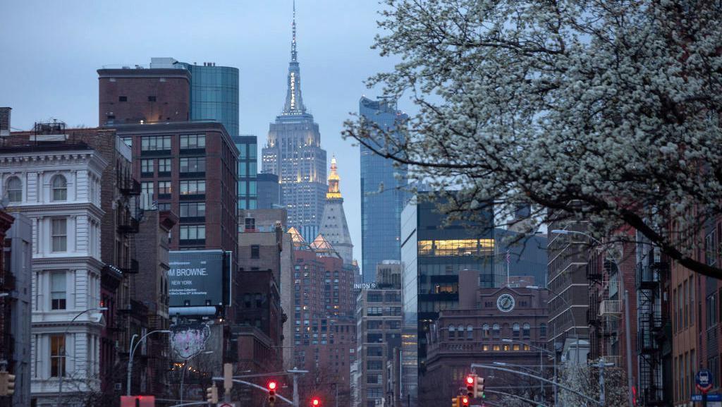 Keluar Rumah di New York Dikenai Denda Rp 16 Juta