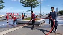 Ditutup hingga 31 Maret, Pantai Losari Makassar Disemprot Disinfektan