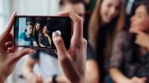 Foto Pakai Ponsel Sering Ngeblur? Coba Ikuti Saran Fotografer Ini