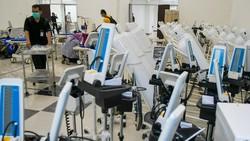 Wisma Atlet Kemayoran, yang disulap menjadi RS Darurat Corona tengah dipersiapkan. Sesuai rencana, Senin (23/3) Rumah Sakit tersebut sudah mulai bisa digunakan.
