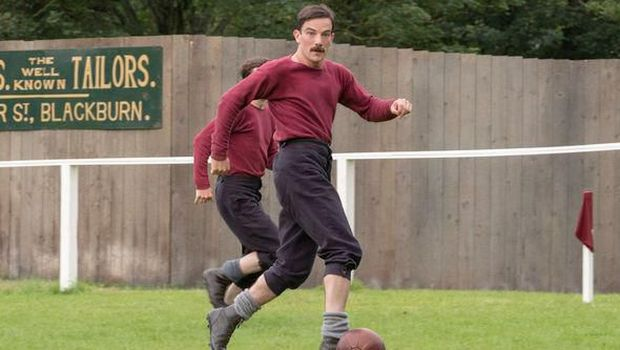 Asal-usul Sepakbola dan Pemain Profesional Pertama di 'The English Game'