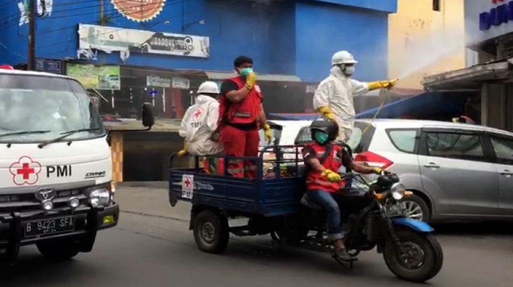 Dinkes Sukabumi juga Semprotkan Disinfektan di Jalanan