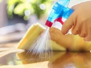 Cara Membuat Cairan Disinfektan Sendiri di Rumah, Gampang!