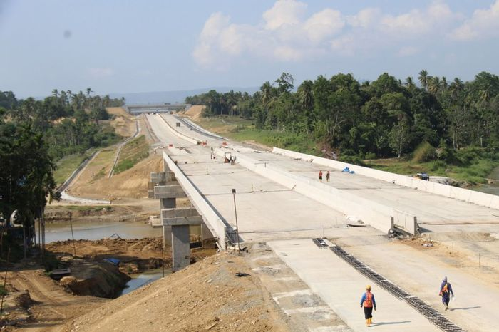 Ruas Jalan Tol Sigli-Banda Aceh
