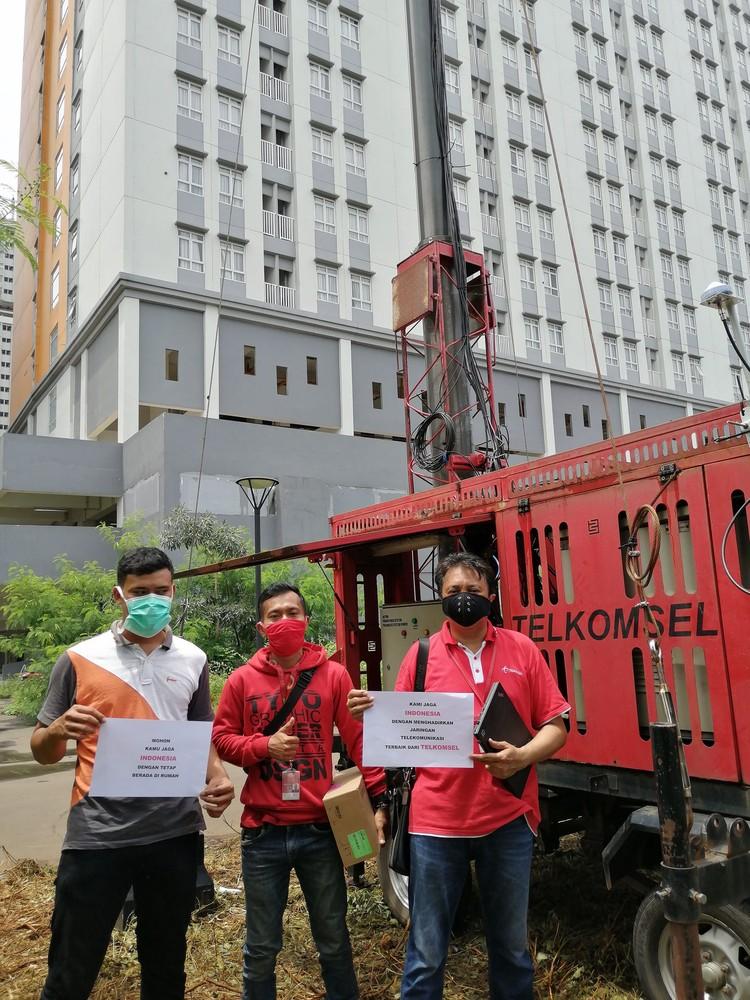 Telkomsel memperkuat kapasitas dan kualitas jaringan broabdband di tiga lokasi Rumah Sakit Darurat Khusus penanganan pasien Corona.
