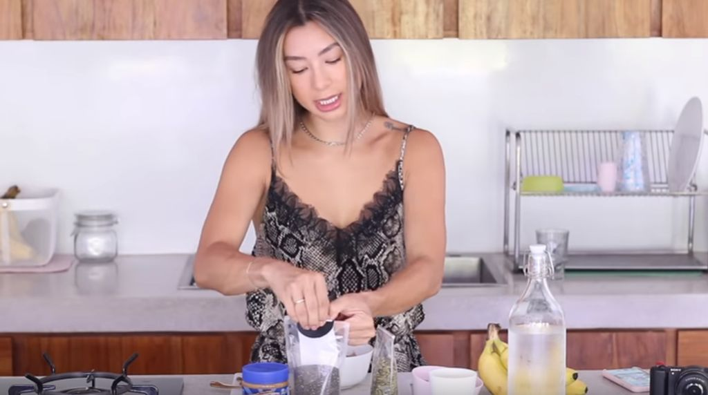 Intip Resep Oatmeal Vegan a la Jennifer Bachdim