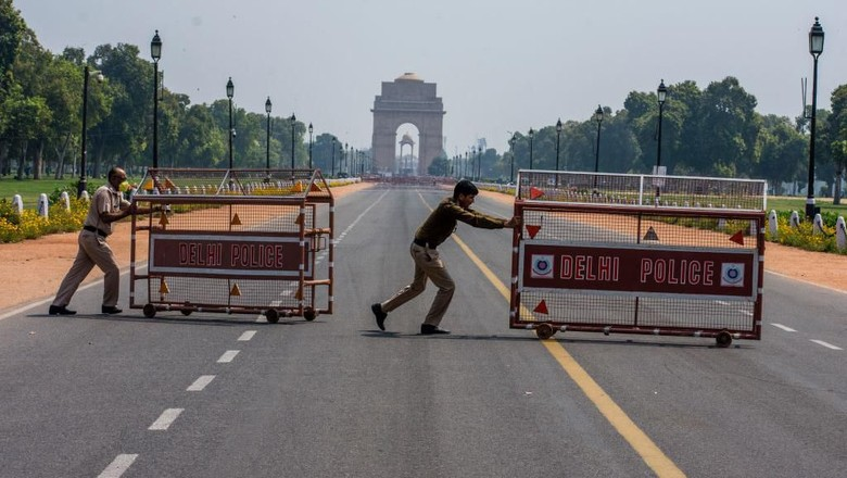 PM India Narendra Modi meminta warganya untuk mengisolasi diri selama 14 jam guna membatasi penyebaran Covid-19. Begini suasana di New Delhi, India.