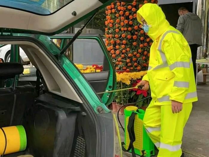 Taksi diseprot Disinfektan di China