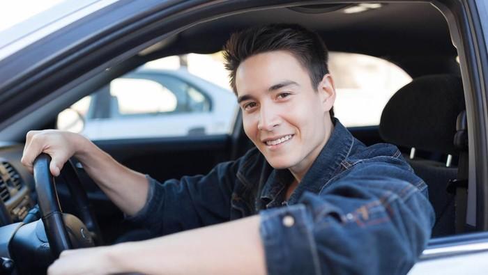 Naik Mobil Pribadi Cara Cegah Corona Cek Program Detikoto Seva Id