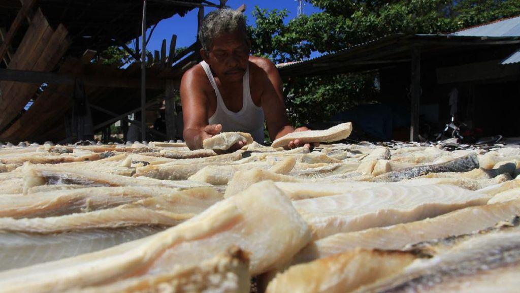 Permintaan Ikan Asin Menurun Imbas Corona