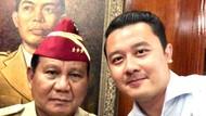 Canda Prabowo Bangunkan Ajudannya yang Sedang Tidur