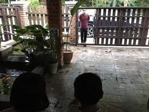 Momen Menyayat Hati Dokter Temui Anaknya di Balik Pagar Saat Pandemi Corona