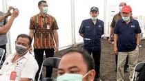 JK Pantau Langsung Penyemprotan Disinfektan di Johar Baru