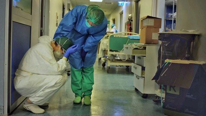 Virus corona: Meninggal sendirian adalah hal yang buruk, kisah perawat yang menangani pasien Covid-19 di rumah sakit Italia