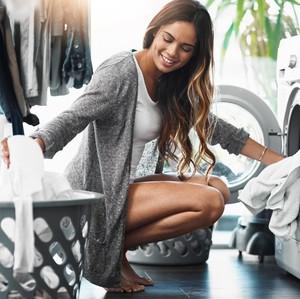 Rekomendasi dari Ahli untuk Cegah COVID-19: Cuci Baju Pakai Air Hangat