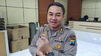Polisi Geledah Kamar Kos Gilang Predator Fetish Pocong, Hasilnya?