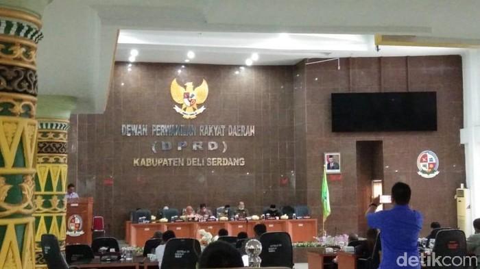 DPRD Deli Serdang tetap menggelar rapat paripurna di tengah pancemik Corona (Dok. Istimewa)