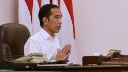 Jokowi Minta Produsen APD RI Tak Dihambat Impor Bahan Baku