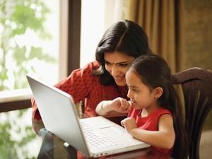 Ini Berbagai Kesulitan Ibu-ibu Saat Kerja dari Rumah karena Ada Corona
