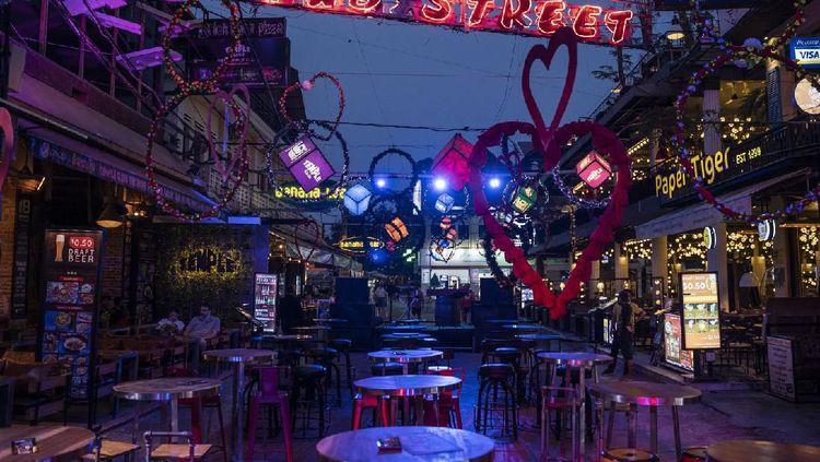 Diterpa Corona Tempat Makan di Beijing hingga Jakarta Jadi Senyap