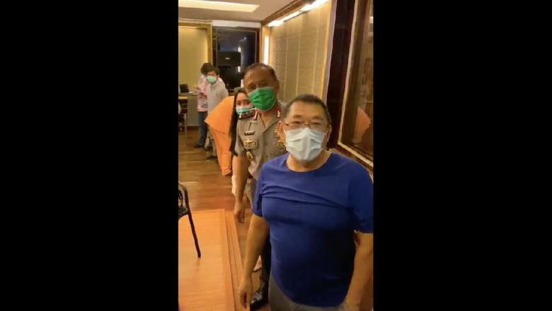 Viral Tes Corona di Rumah Jerry Lo Dihadiri Ketum PSSI Komjen Iriawan. (Foto: dok. Istimewa)