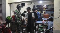 TNI-Polri Turun Tangan Bubarkan Keramaian Cegah Penyebaran Corona