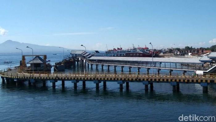 Suasana lengang terjadi di Pelabuhan ASDP Ketapang Banyuwangi. Pelabuhan tersibuk se-Indonesia ini ditutup selama satu hari penuh menghormati hari raya Nyepi.