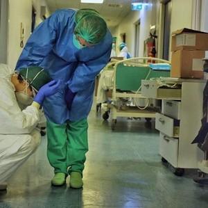 Kisah Perawat Meninggal Karena Corona, Harus Tetap Kerja Hingga Pingsan