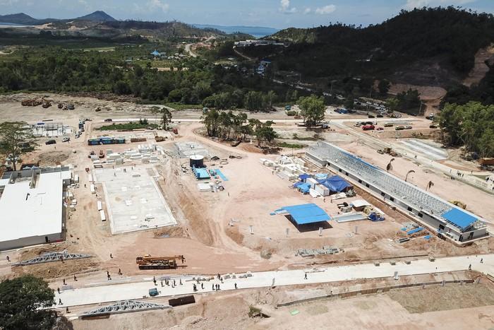 Pembangunan rumah sakit Khusus Corona (COVID-19) di Pulau Galang, Batam, Kepulauan Riau, terus dilakukan. Begini kondisi RS dilihat dari atas.
