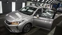 Penjualan Mobil Mewah di China Mulai Menggeliat