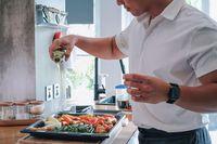 'Meal Prep' Jadi Menu Andalan Chef Yuda Bustara Saat Masak di Rumah