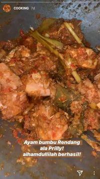 Contek Resep Ayam Woku dan Ayam Rendang ala Prilly Latuconsina