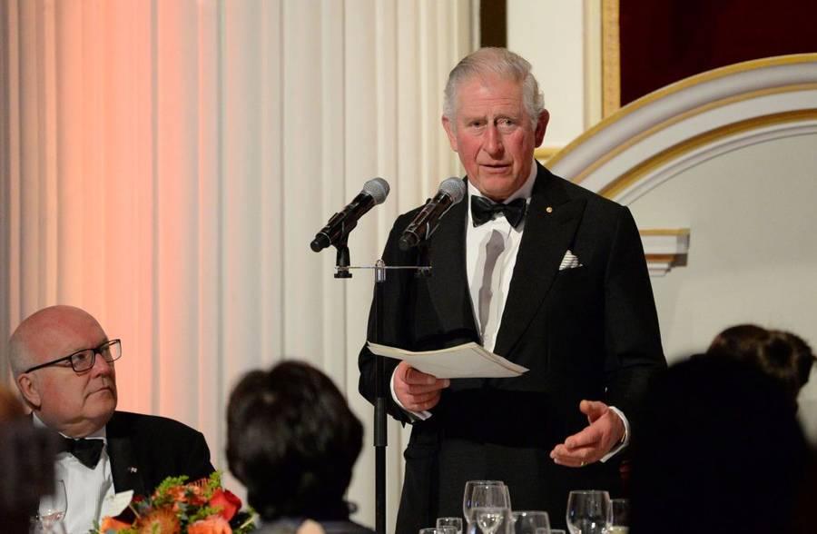 Kantor Clarence House milik pangeran Charles merilis hasil test COVID-19 pada hari Rabu, 25 Maret 2020. Pria berusia 71 tahun dinyatakan Posotif Corona.