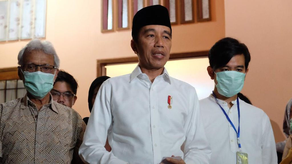 Jokowi Ungkap Sang Ibunda Mengidap Kanker hingga Meninggal