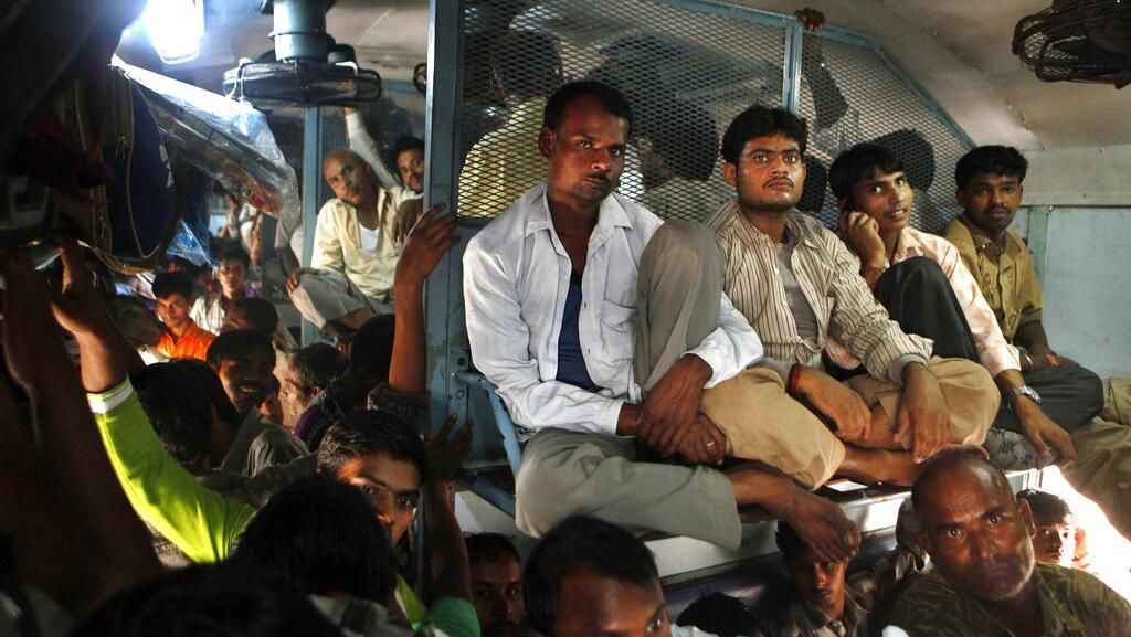 Terapkan Lockdown, India Guyur Rp 360 T Buat Rakyat Miskin