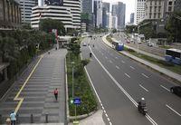 Suasana Kota Jakarta yang Lengang Imbas Corona.