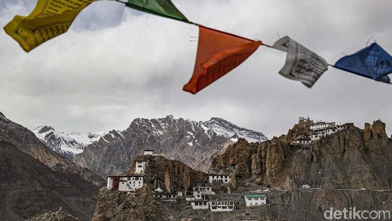 Dikelilingi pegunungan Himalaya, Spiti Valley merupakan kawasan di India Utara yang menawarkan keindahan dan keberagaman. Penasaran?