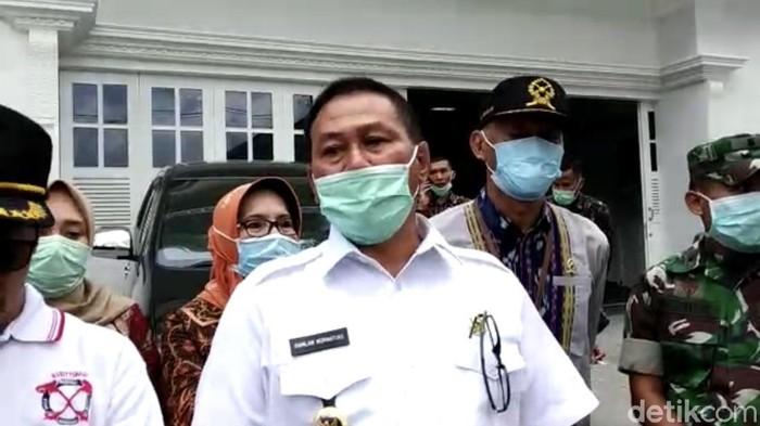 Satu pasien di Bukittinggi dinyatakan positif Corona. Sementara satu pasien lainnya yang menjalani perawatan di RS Ahmad Muktar meninggal dunia (Jeka Kampai/detikcom)