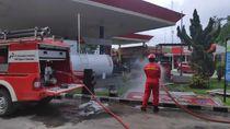 Pertamina Sumbagsel Semprot 1.500 Liter Per Hari Disinfektan di SPBU