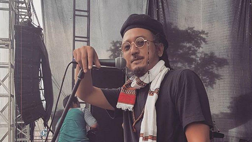 Banyak Jadwal Panggung Cancel, Ras Muhamad Coba Berkarya di Rumah