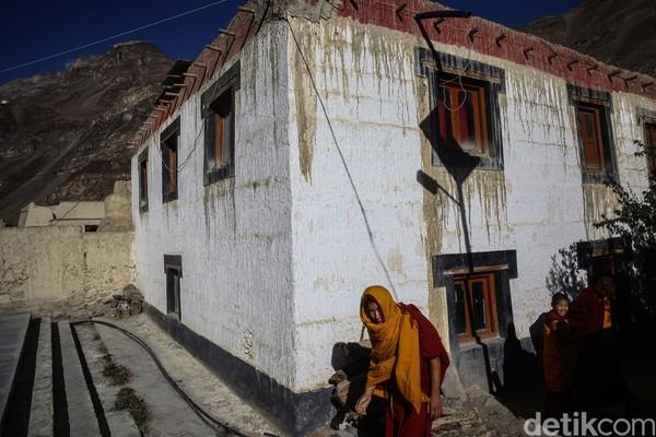 """Spiti sendiri memiliki arti """"The Middle Land,"""" karena posisinya yang berada di antara India dan Tibet."""