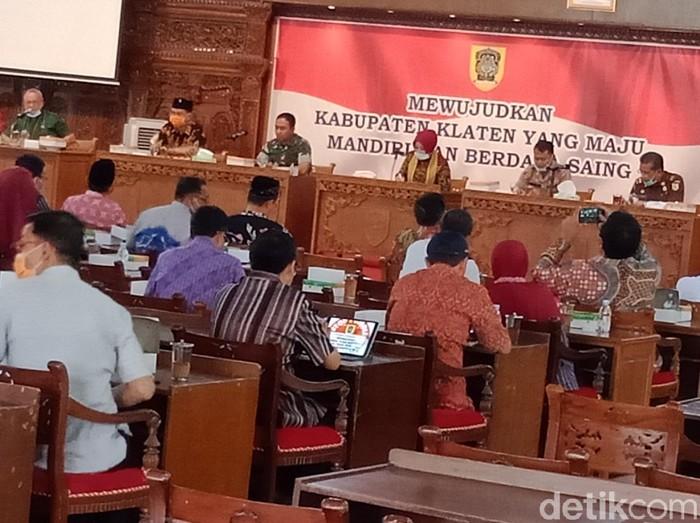 Rakor Pemkab Klaten terkait penanganan Virus Corona, Kamis (26/3/2020).