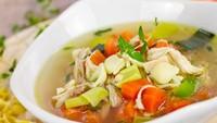Sop Ayam Jadi Menu Praktis Andalan Chef Stefu Santoso di Rumah