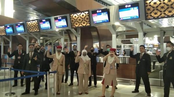 Penerbangan Emirates terakhir dari Jakarta EK 359 pada 24 Maret lalu.