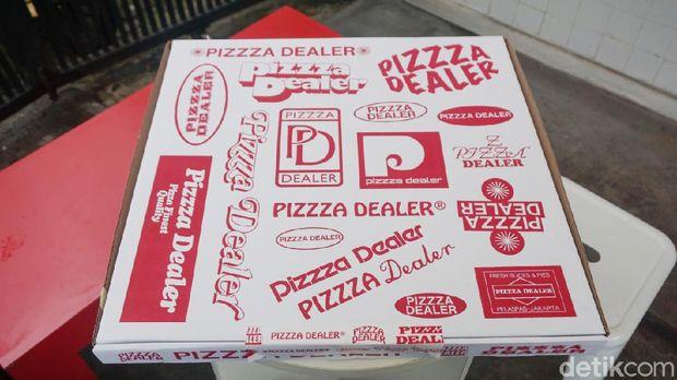 Pizzza Dealer: Mantap! Pizza Gaya New York dengan Mixed Berries yang Segar
