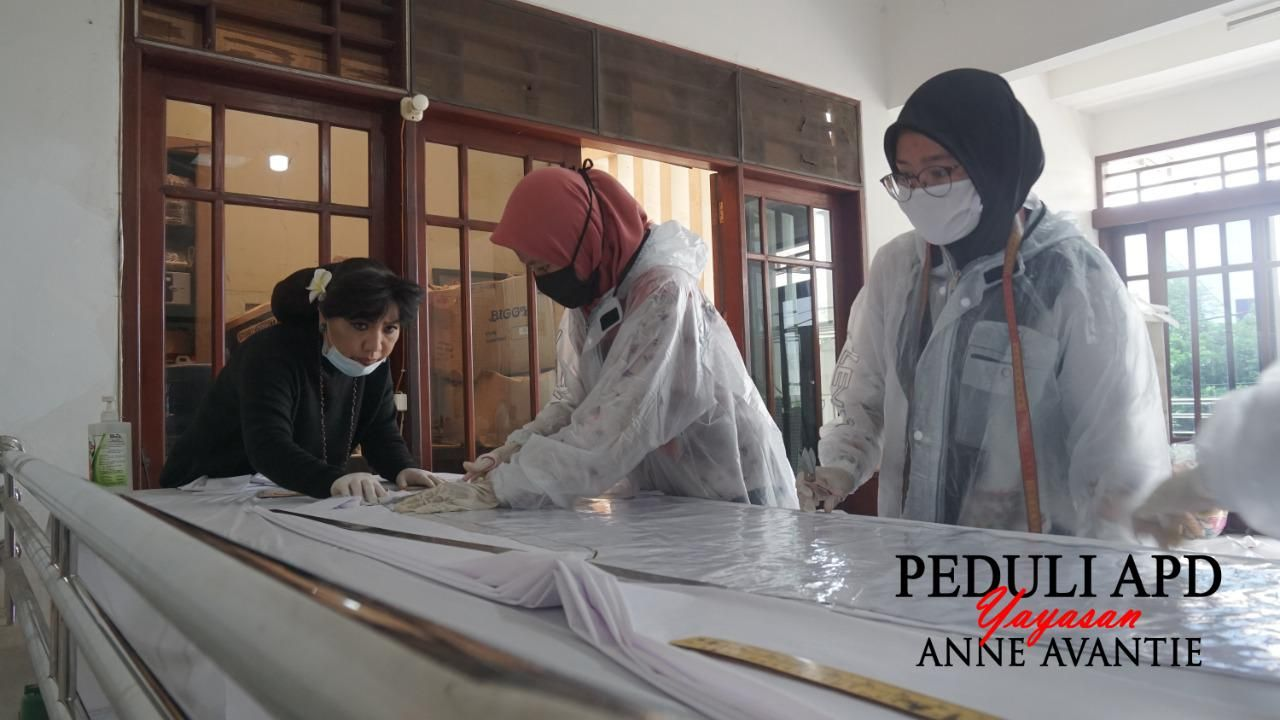Cerita Anne Avantie yang Setop Bikin Kebaya Demi Produksi Baju APD