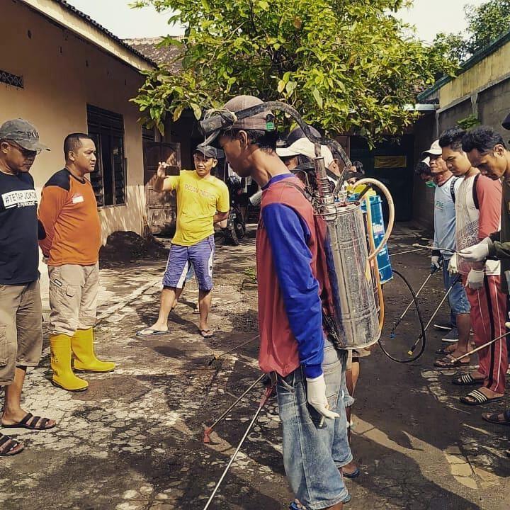 Kisah Kebaikan: Pria Ini Biayai Hidup Keluarga Tak Mampu yang Positif Corona