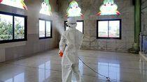 Pertamina Semprot Disinfektan ke 12 Rumah Ibadah di Jakarta